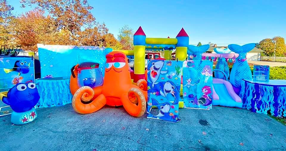 Under the sea and mermaid decoration with inflatables