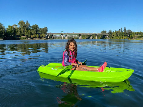 kid kayaking jordyn willamette.jpg