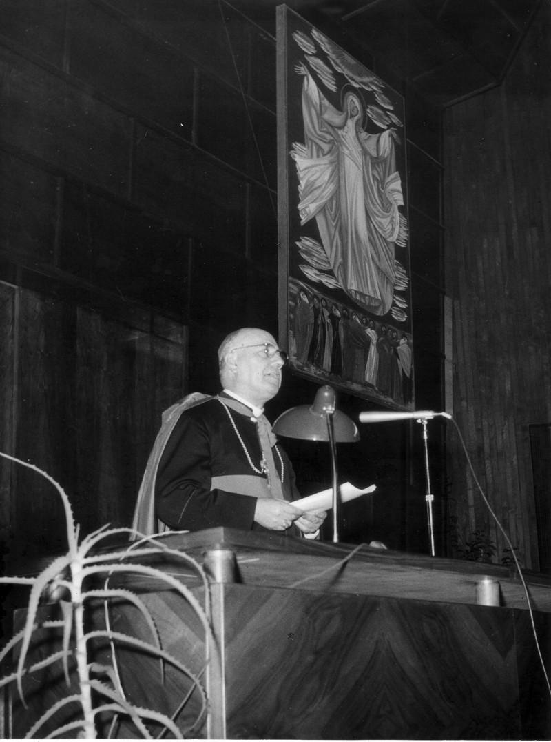 1954c