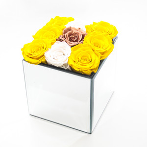 infinity roses, year long roses, forever roses, yellow roses, forever, roses, roses for decor, kitchen decor, classy decor, classy interior, interior design idea, copper, copper decor, copper interior, yellow and copper, interior, bedroom decor, bedroom interior, forever rose, year long rose, year long roses for decor, gift ideas gift ides for her, gift ideas for girls, girls gift ideas, christmas ideas, christmas gift ideas for her