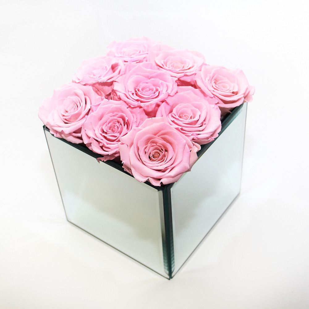 year long roses, preserved roses, infinity roses, forever rose, home decor, gift ideas, girls gifts, christmas ideas, girls christmas presents, bedroom decor, home decor, secret santa idea, home decor, interior design ideas, home decor ideas, home inspo, home decor ideas, pink roses, roses, year long rose, forever roses pink, pink infinity rose