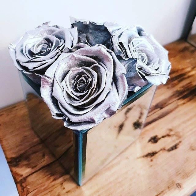 year long rose, infinity roses, forever roses, roses that last a year, roses, forever roses, roses that dont die, silver roses, metallic roses, metallic silver roses, roses, forever roses silver, home decor, silver home decor, silver home, insta home, making the best from your home, home, home ideas, home renovations, statement pieces for home, silver roses, roses for decor, roses for home decor,