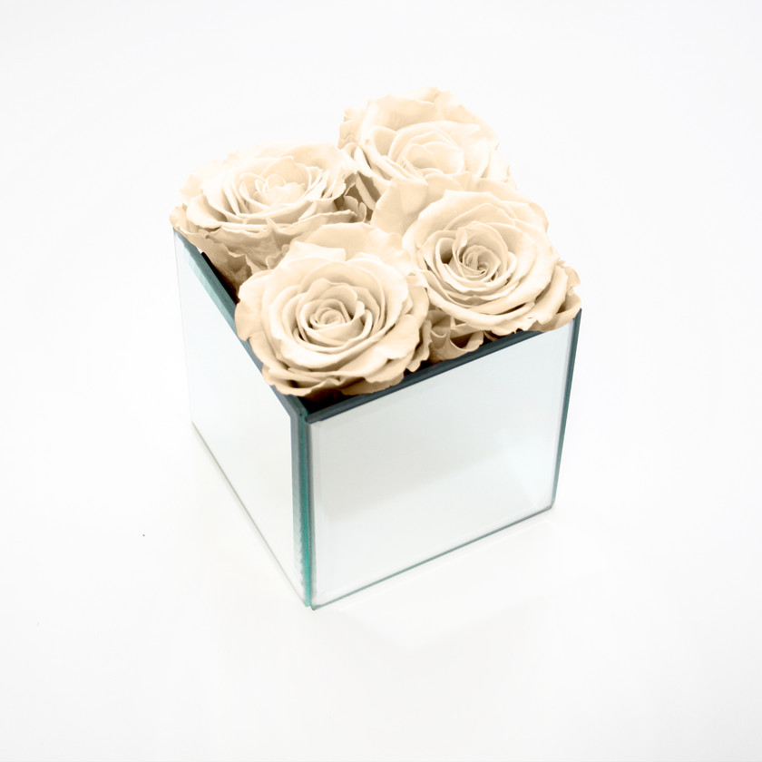 year long roses, infinity rose, forever rose, interior design ideas, preserved roses, infinity rose, forever rose, champagne rose, interior design, home design ideas, home decor ideas, home interior design, mirrored cube, stylish homes, stylish decor, classy decor, classy interior , classy interior, classy home