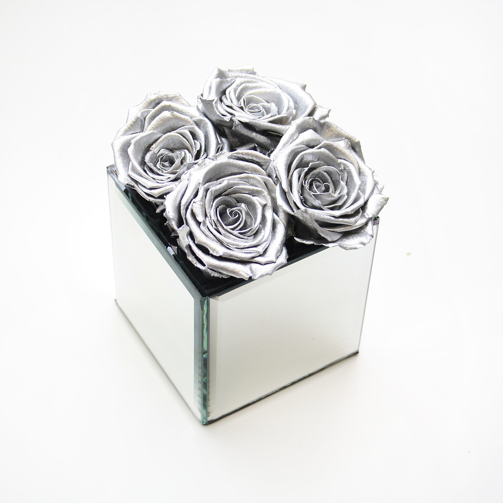 year long roses, infinity roses, forever roses, metallic roses, silver roses, silver rose, mirrored cube, metallic roses, metallic rose heads, metallic, roses, metallic silver, bedroom decor, decor, interior design, interior design ideas