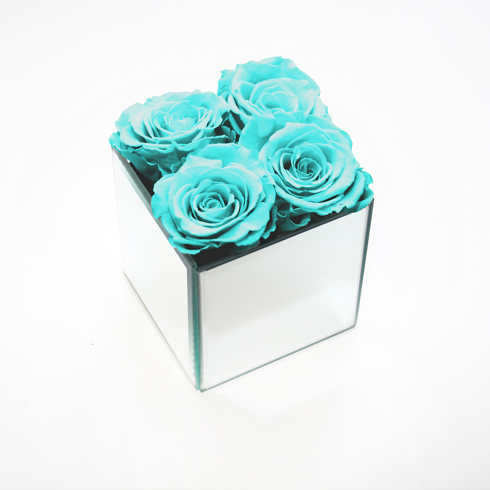preserved roses, year long roses, forever roses, infinity roses, roses, year long, forever rose, eternity rose, infinity rose, eternal rose, eternity rose, blue roses, internal rose, mirrored cube, year long roses, forever rose, bedroom decor, home decor, decor, interior design, interior, home decor, first home, gift ideas, great gift ideas