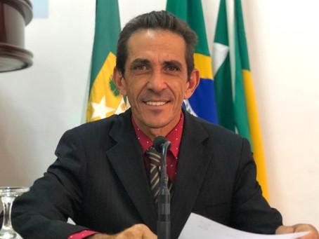 JOÃO SOLICITA A CONSTRUÇÃO DA QUADRA DE ESPORTES DA COMUNIDADE RURAL VARZÉA DO BARRO