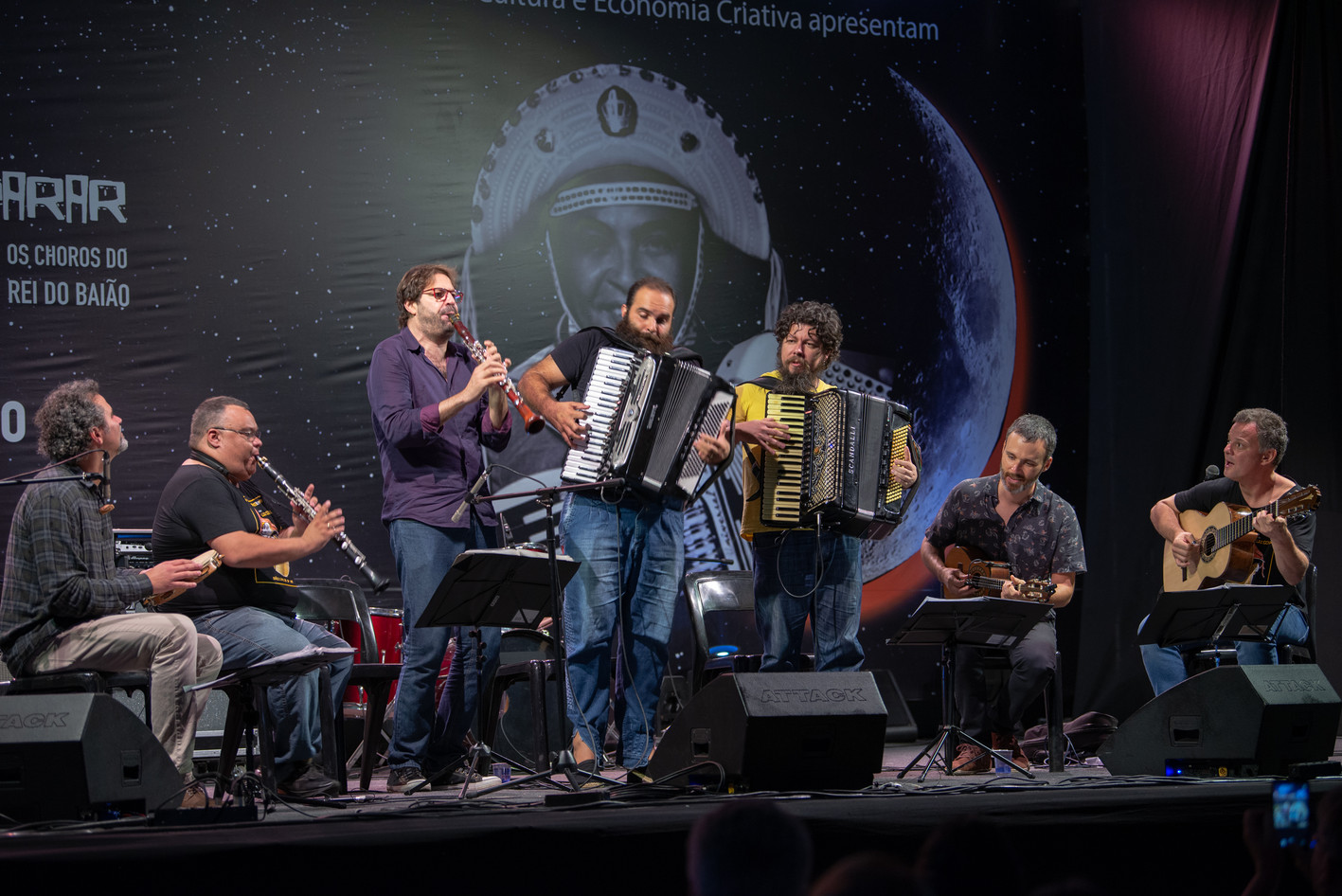 20191214-221734-roda_instrumental_palco-