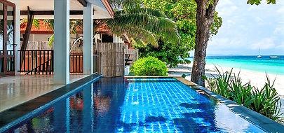 Sahilde havuzlu villa Phuket