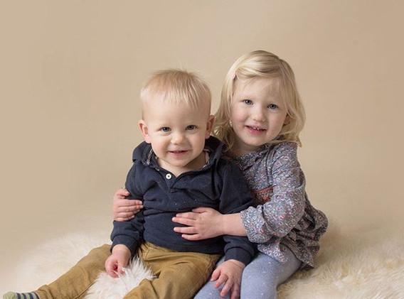 Sibling Love ❤️ #familyphotoshoot #famil