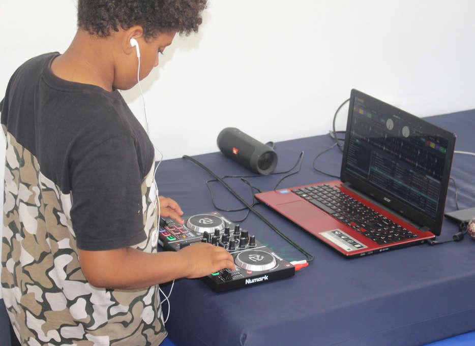 DJing (led by DJ Khanfu)