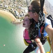 7.Skočit zletadla (skydiving)