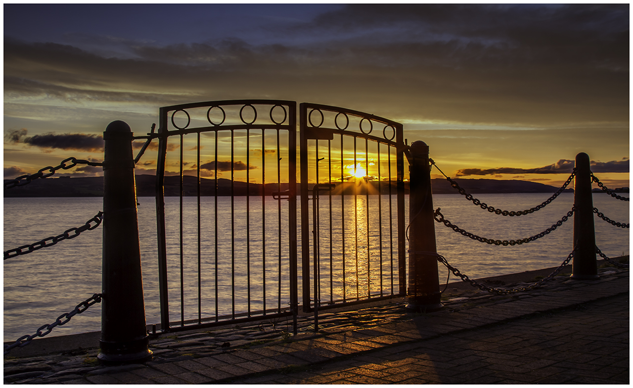 018 Gateway to a New Day