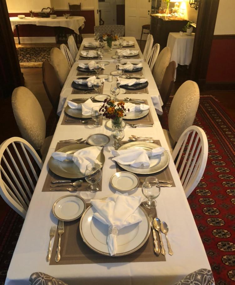 dinnertableBIG.jpg