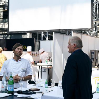 Værter Rasmus Kofoed og Svend Rasmussen Foto_Andreas Stenmann