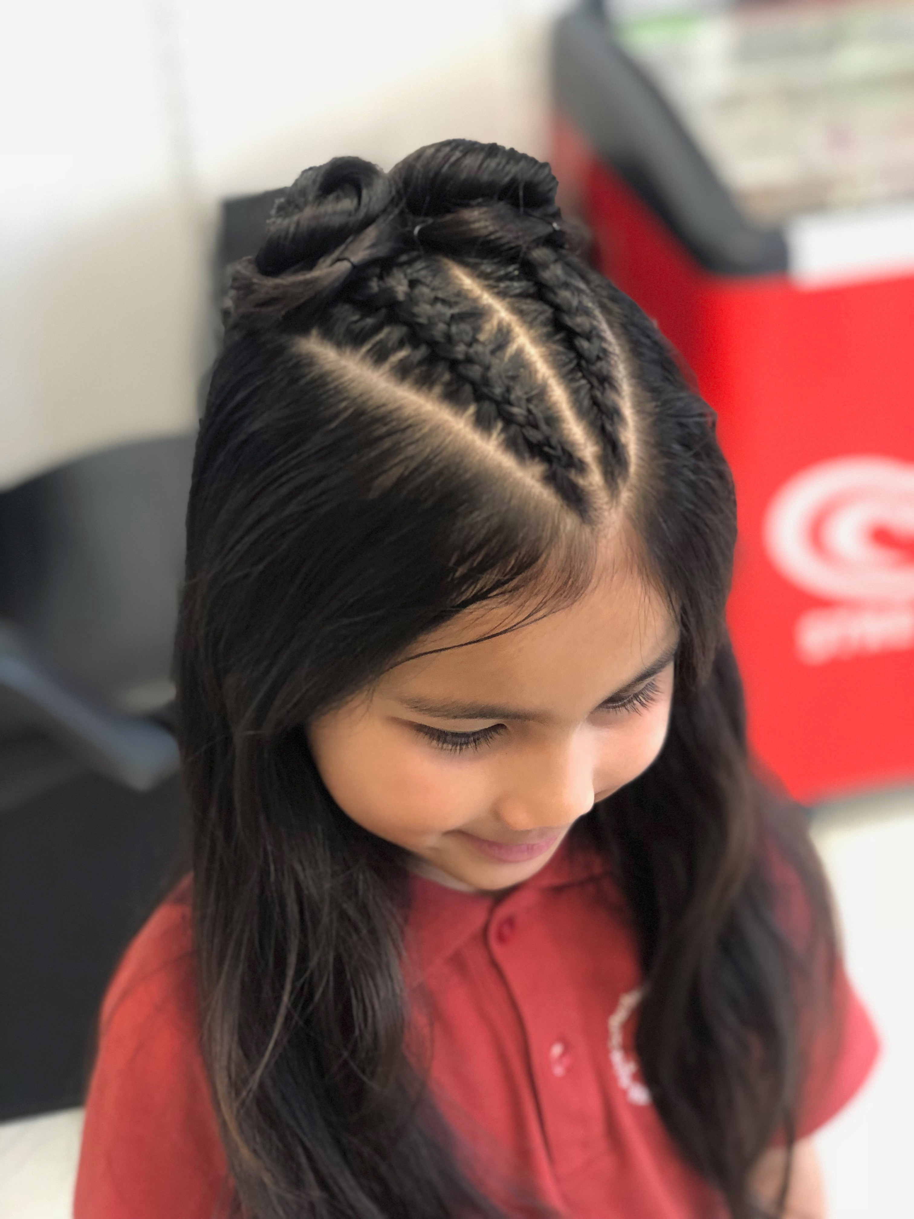 2 little braids on top NO ext