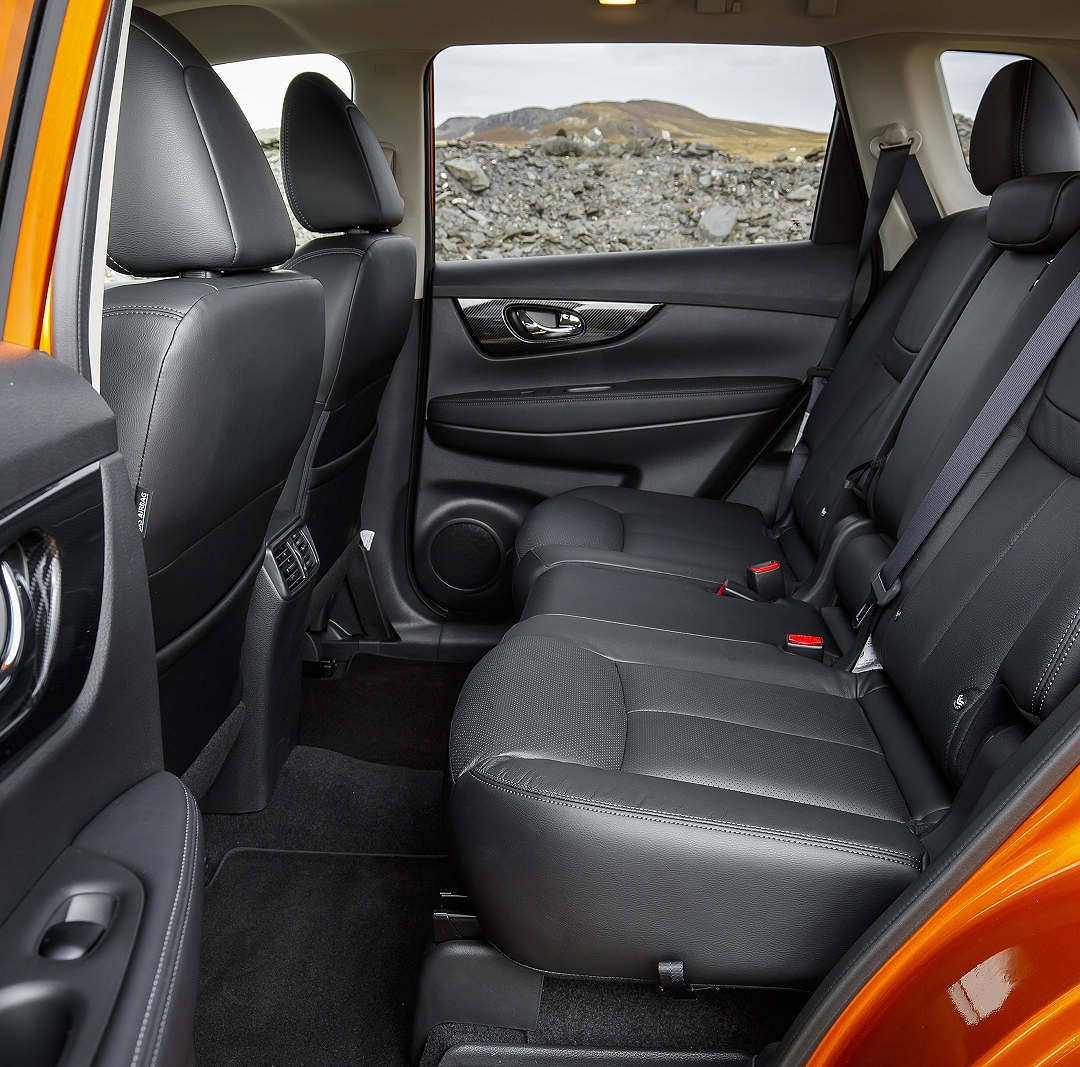 Nissan X-Trail 7-seater 5 - Cars Iceland