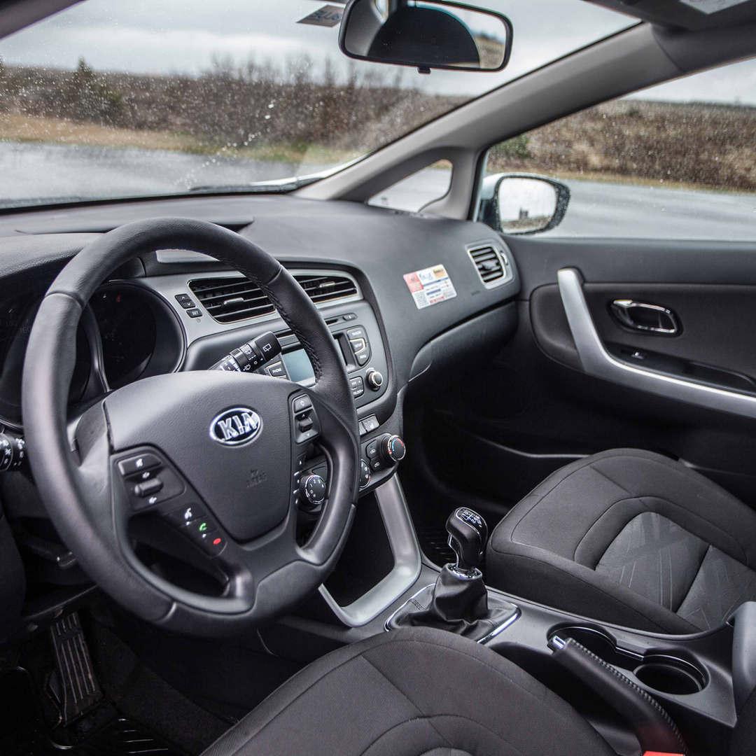 Kia Ceed / Toyota Auris 7 - Cars Iceland