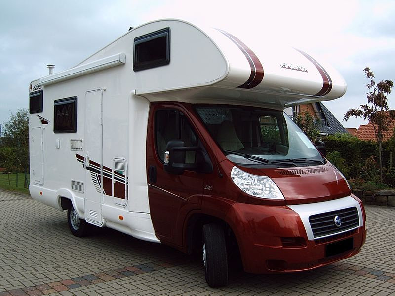 location de camping car en islande camping car en islande location de camping car en islande. Black Bedroom Furniture Sets. Home Design Ideas