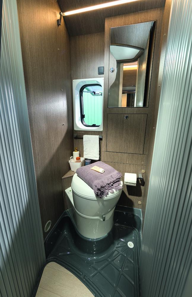 Motorhome 2 - Toilet camper Norway