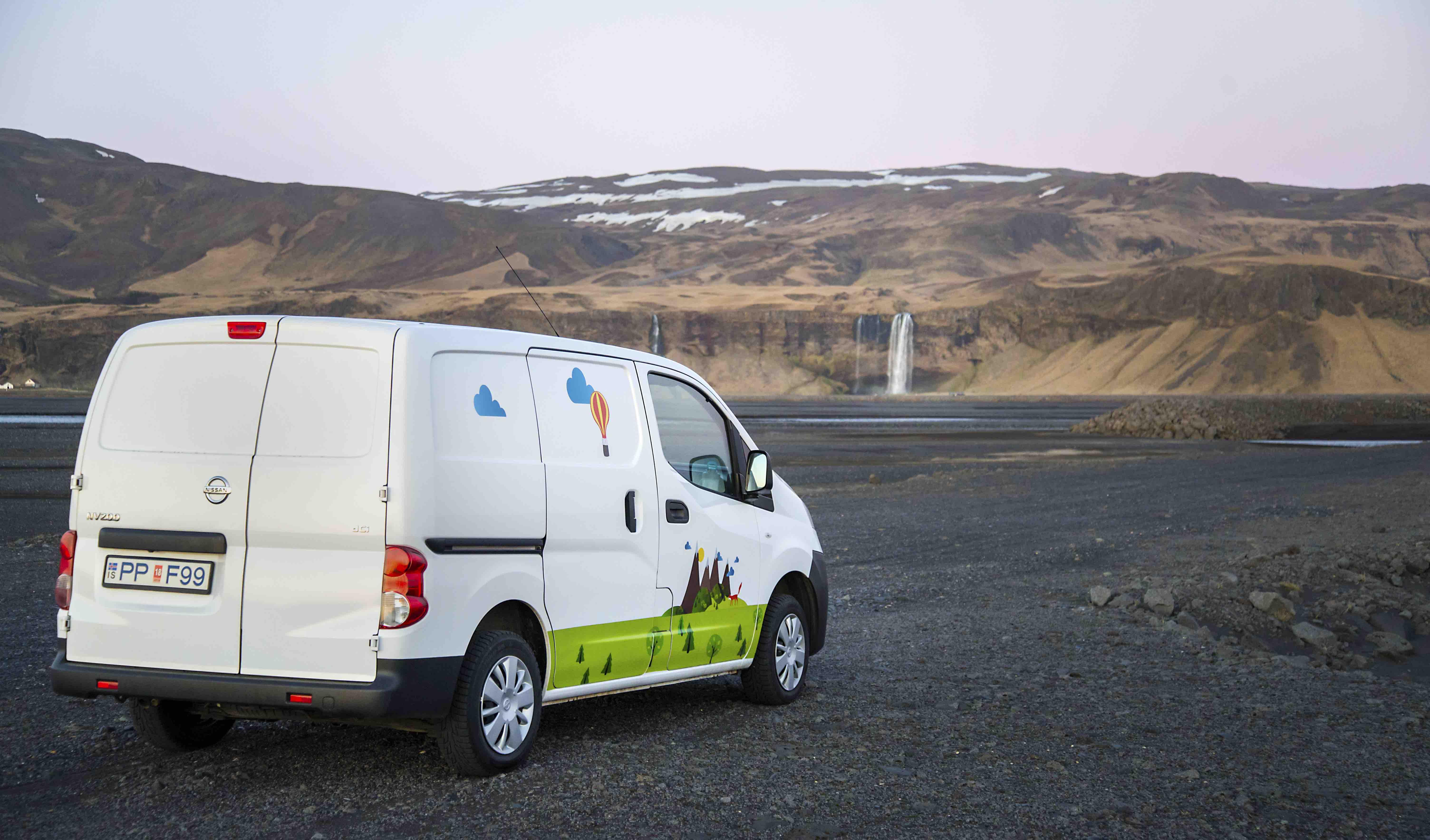 Campervan Iceland - Campervan Play