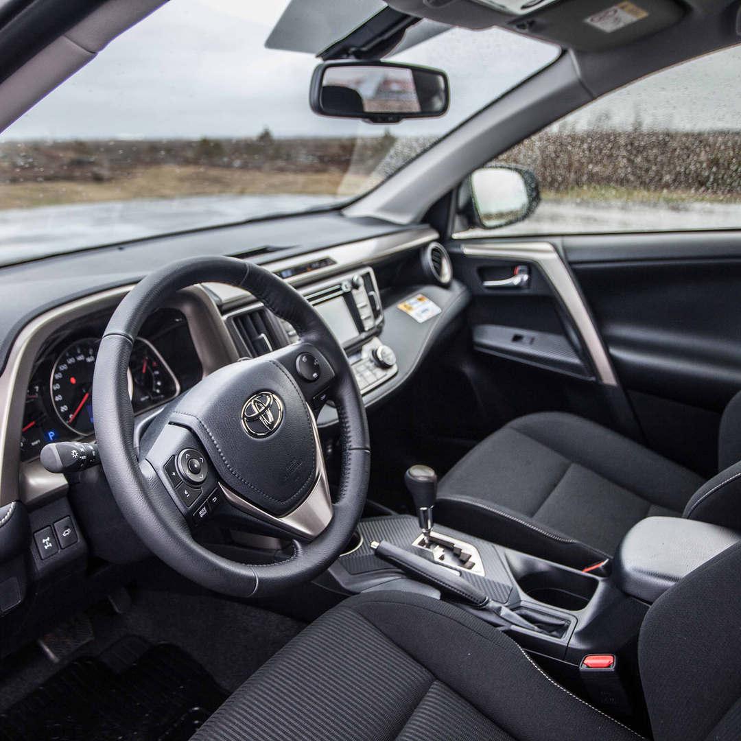 Toyota RAV4 2019 9 - Cars Iceland