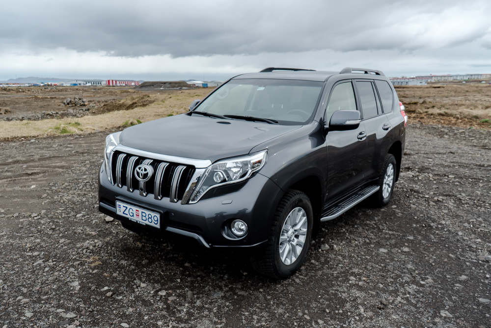 Toyota Land Cruiser 4X4 2018 2 - Cars Iceland