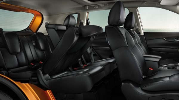 Nissan X-Trail 7-seater 2 - Cars Iceland