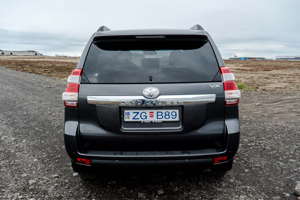 Toyota Land Cruiser 4X4 2018 3 - Cars Iceland