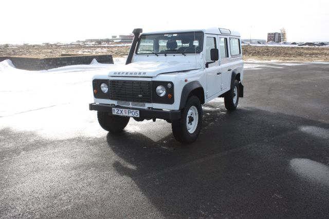 Land Rover Defender 2015 1 - Cars Iceland