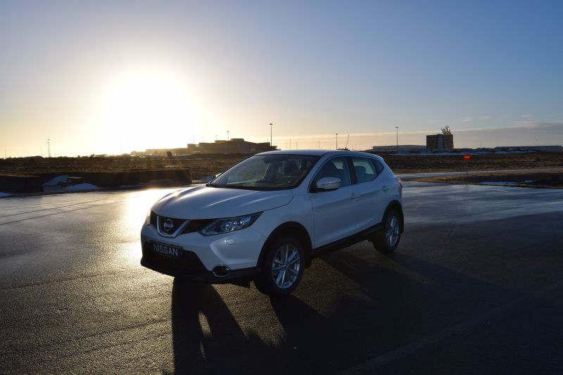 Nissan Qashqai 4 - Car Hire Iceland