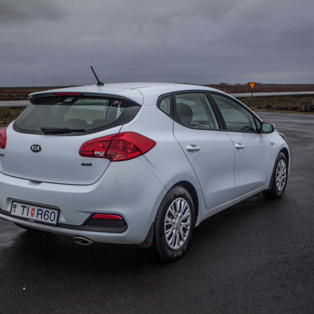 Kia Ceed / Toyota Auris 3 - Cars Iceland