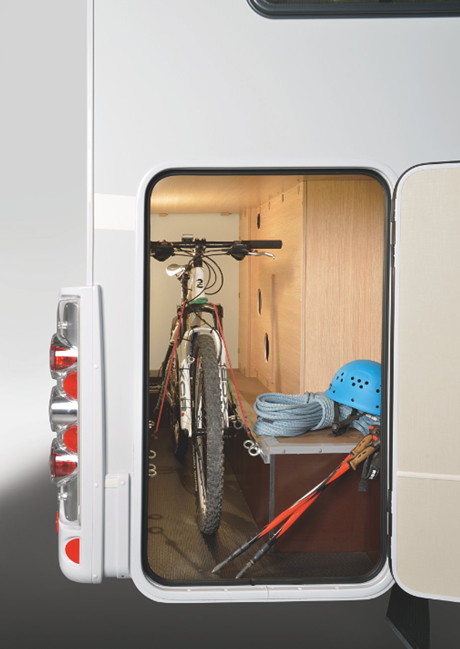 nos camping cars camping islande location camping car islande. Black Bedroom Furniture Sets. Home Design Ideas