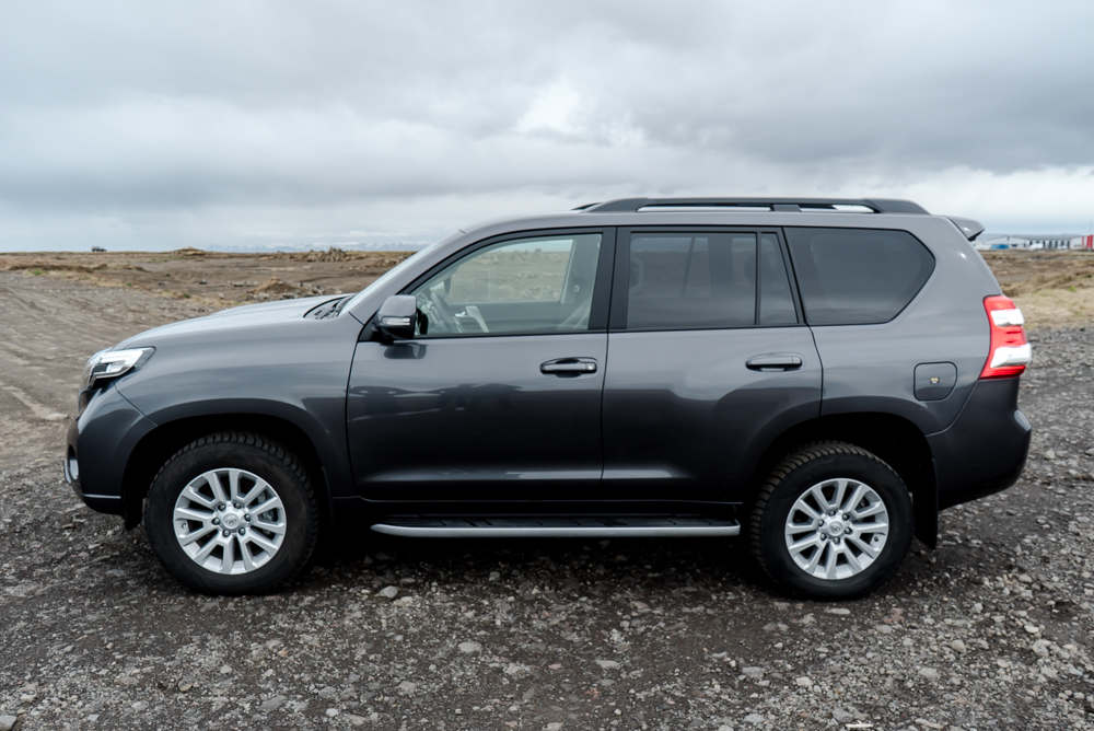 Toyota Land Cruiser 4X4 2018 1 - Cars Iceland