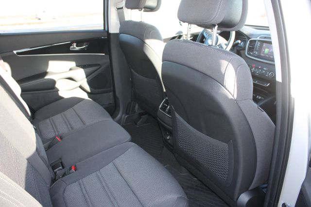 Kia Sorento 4x4 7-seater 7 - Cars Iceland