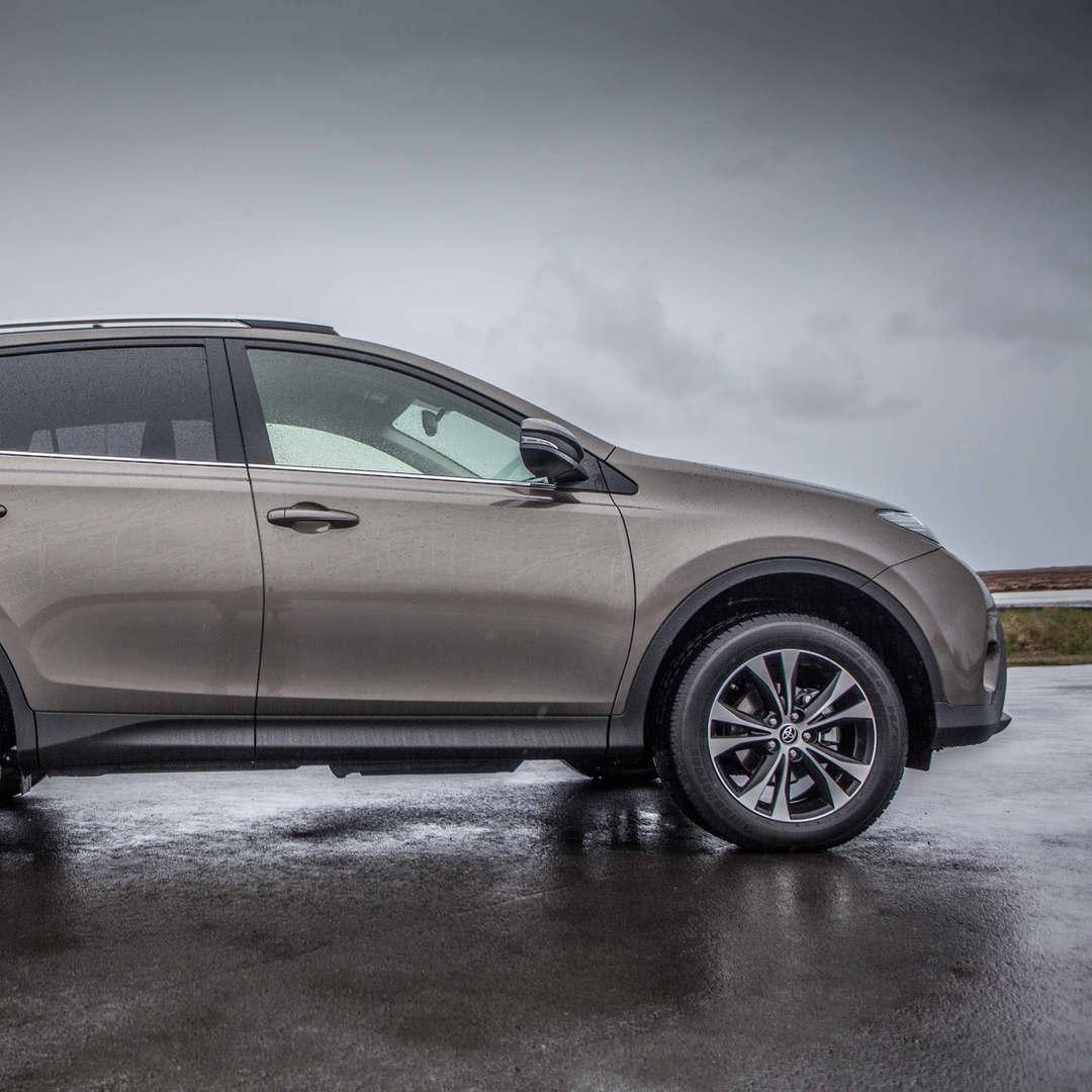 Toyota RAV4 2019 1 - Cars Iceland