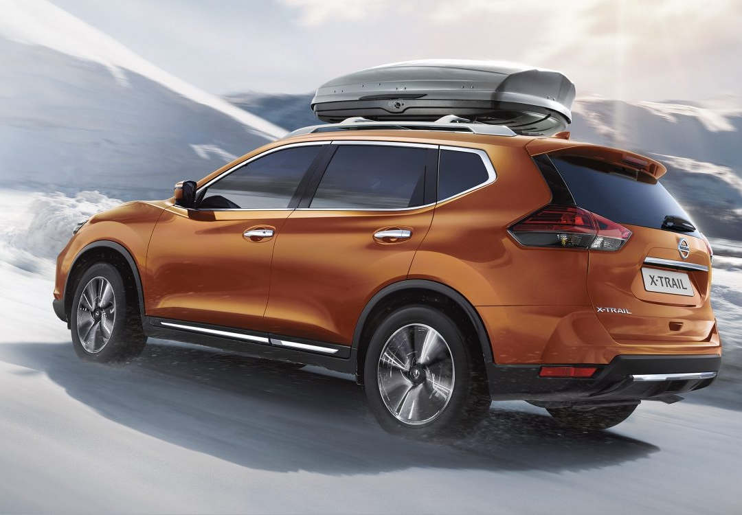 Nissan X-Trail 7-seater 1 - Cars Iceland