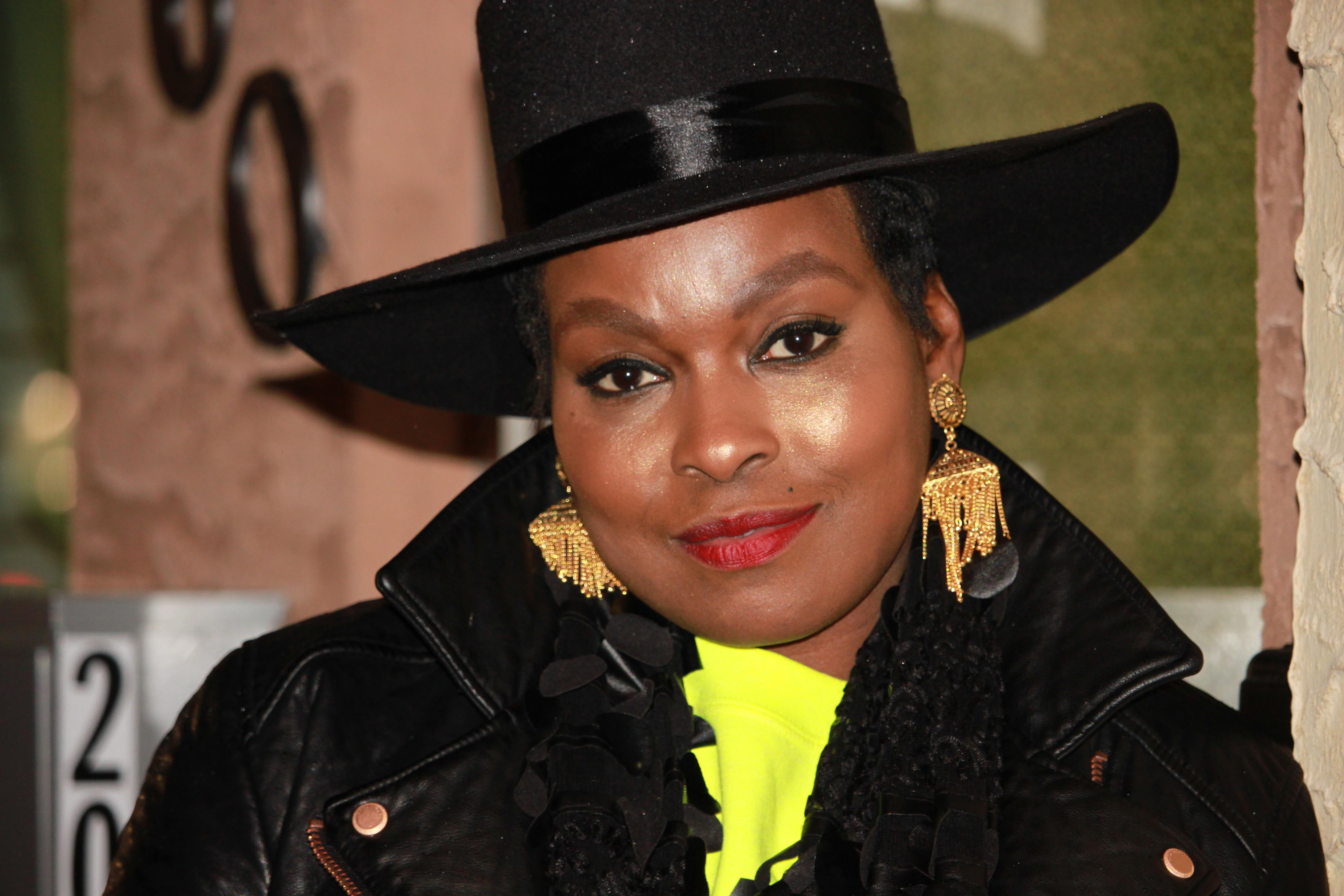 Tanisha B Malone