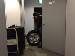 タイヤを出します‼