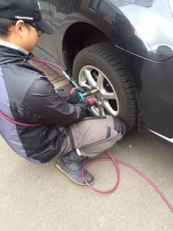 タイヤ取り付け&取り外し