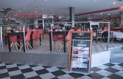 Restaurant avant relooking et réaménagement