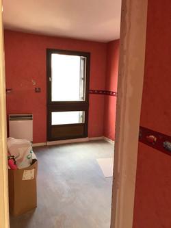 Chambre avant le réaménagement et la décoration
