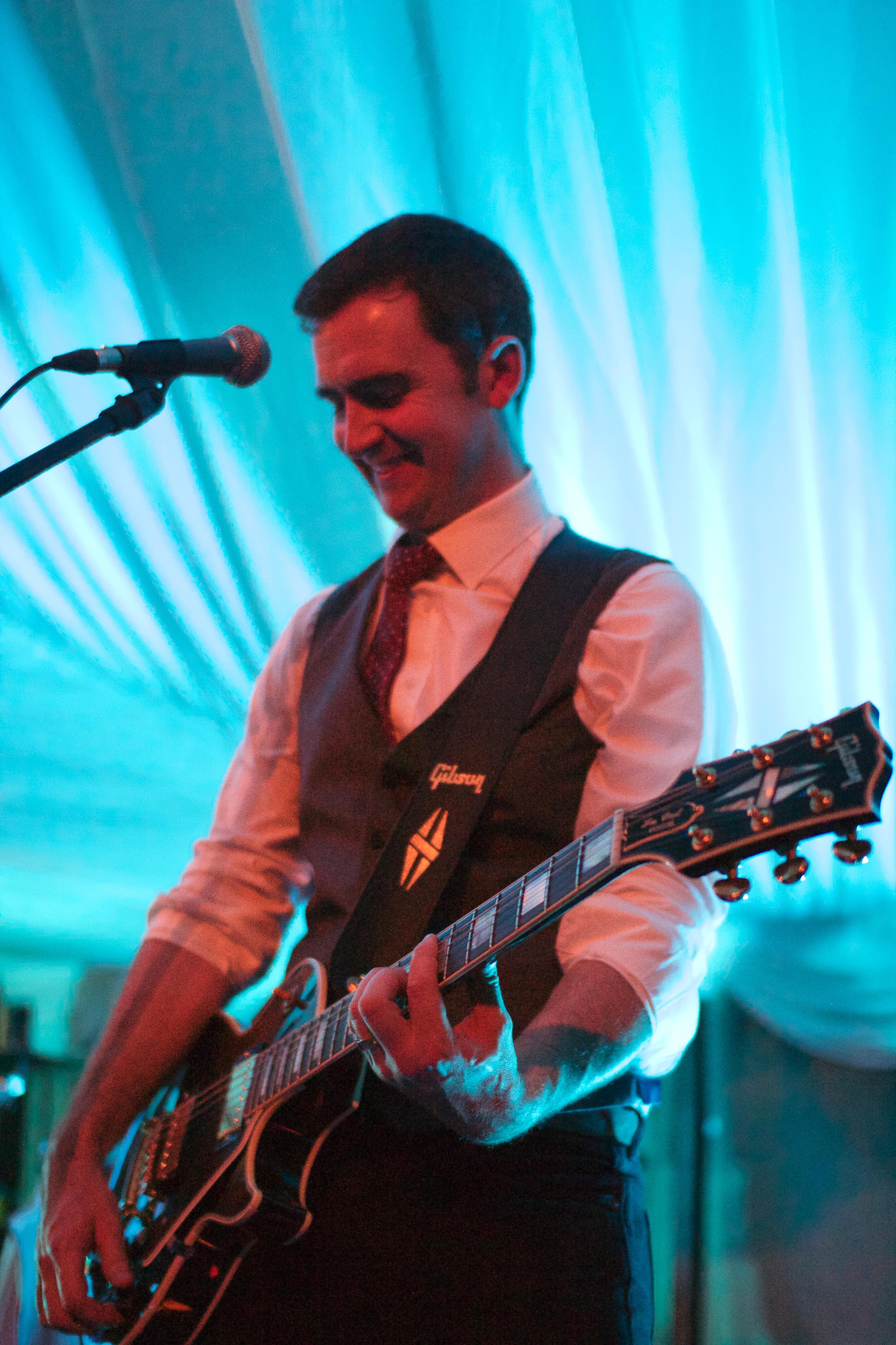 Tom Deeley - Guitar & Vocals