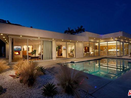 Devlin Modern Villa