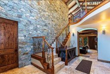 Mountain Luxury Estate