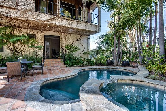 Tropical Gloaming Way estate