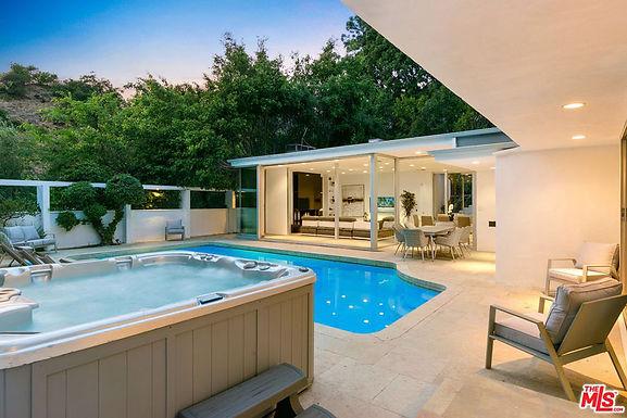 Villa Benedict Canyon