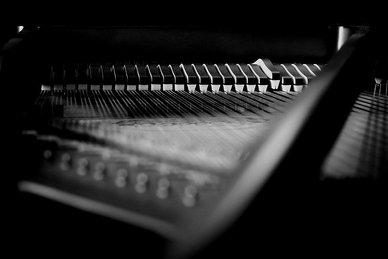 bg-piano.jpg