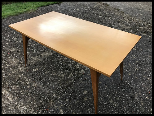 Table design en hêtre - 1950