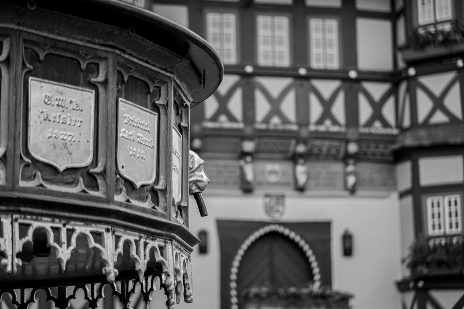 Brunnen am Radhaus Wernigerode.jpg