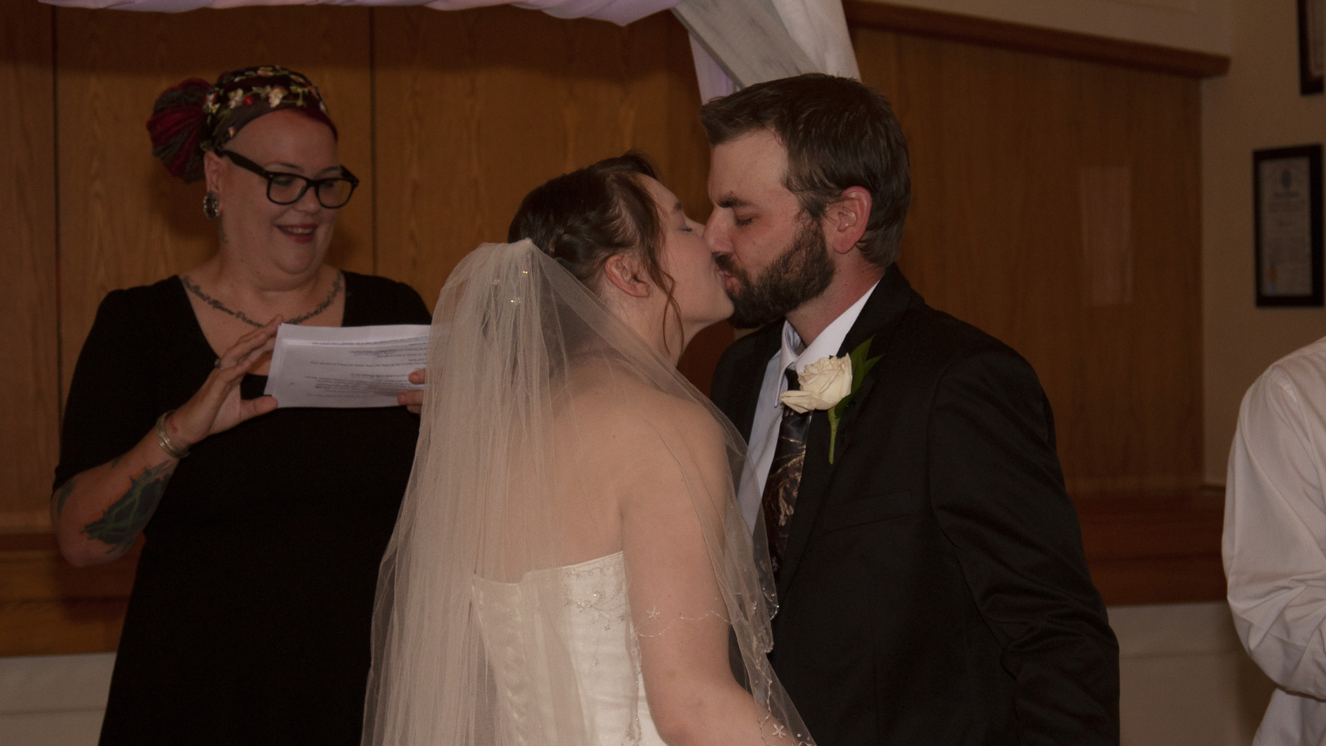 Mr. and Mrs. first kiss